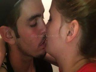 Besos (ac4 video 4) vista previa