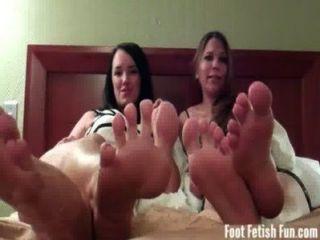 Cuatro pies sexy para que usted pueda