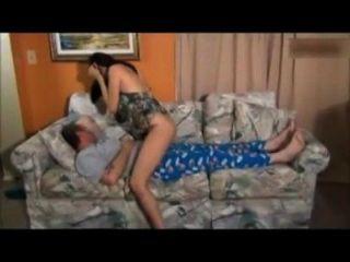 Hija folla papá en el sueño