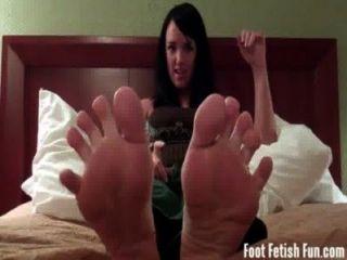 Mandy taylor quiere que te chupe los dedos de los pies