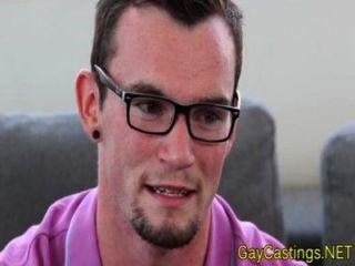 Hipster twink audición anal en gaycastings