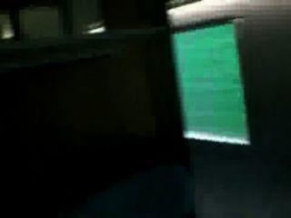 Novia sexy tiene baño sexo en el tren
