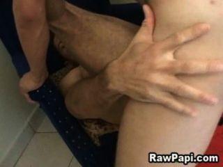 Hot latino hardcore bareback sexo escena