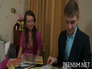 Juego de sexo carnal de la edad legal joven adolescente