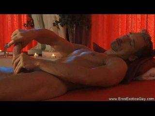 masaje erótico del amor del uno mismo