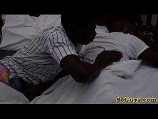sesión tribal africana de la garganta profunda gay