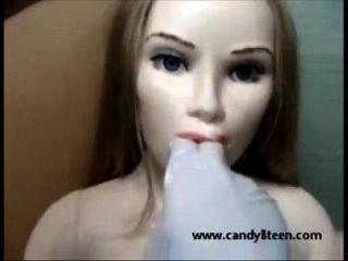 muñeca de sexo muñeca de amor boca abierta y el estiramiento da cabeza