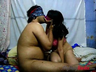 gallo montando escena porno con la mujer india xbabe