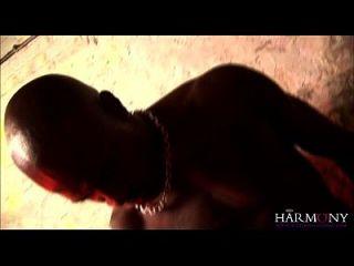 armonía vision indian babe deepthroats big black cock