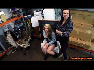 pareja lesbiana chupar gallo por dinero en efectivo
