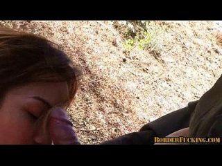 caliente mexicana morena chica es atrapado y jodido por la patrulla fronteriza 4