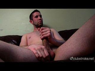 sexy bentley derecho tirando de su pinchazo