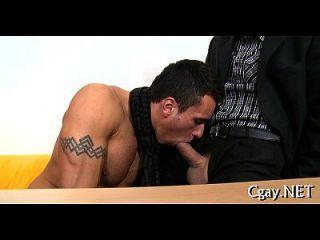 perforación anal indecente con consolador