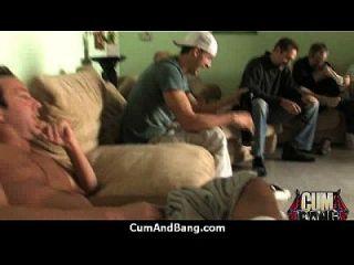 increíble ébano en gangbang jodido interracial 14