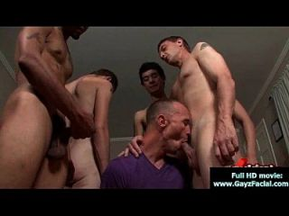 bukkake chicos chicos gay se cubren en cargas de cum caliente 15