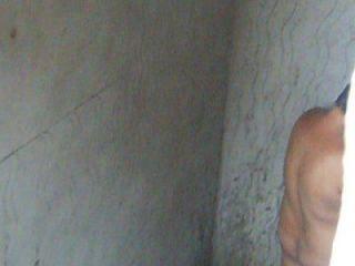 mi tia fany en el ducha