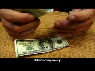 pollo amateur toma el dinero para una cogida 12