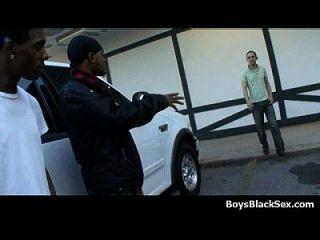 los twinks blancos sexy golpearon a mis hombres gay negro 22