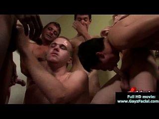 bukkake chicos chicos gay se cubren en cargas de cum caliente 17