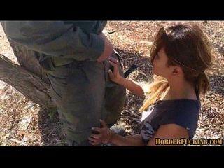 caliente mexicana morena chica es atrapado y jodido por la patrulla fronteriza 1 2