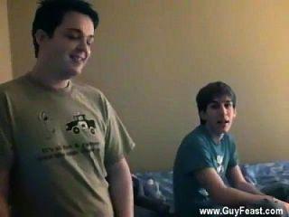 gay twinks traza tiene la cámara en la palma como kyle, nathan y james