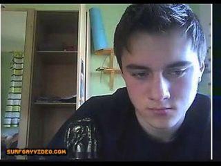 hermoso chico deslumbra a su novio con webcam gay porno