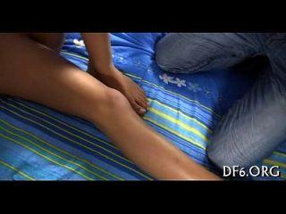 desnudo tease de una virgen