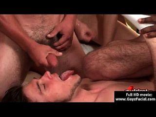 bukkake gay chicos desagradable a pelo negro eyaculación facial fiestas 15