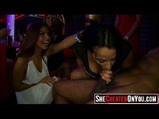 18 sexo en el club en la fiesta cfnm 19