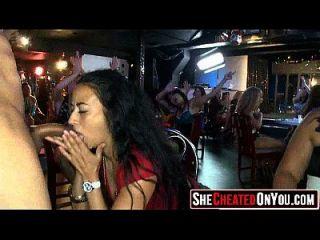 07 chicas puestas cogidas en el club 171