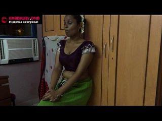 amauter indio babe masturbándose con pepino