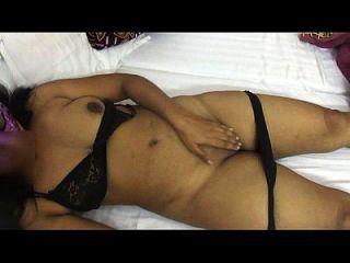 mona bhabhi quitar la ropa interior para sexo tía india caliente