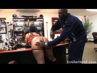 nena negra haciendo casting porno
