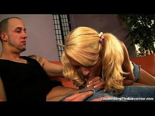 dulce babysitter jodido por hot couple