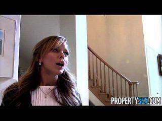 propiedad sex sexy petite agente de bienes raíces engañado en fucking en la cámara