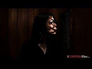 confessionfiles: ava dalush folla al sacerdote