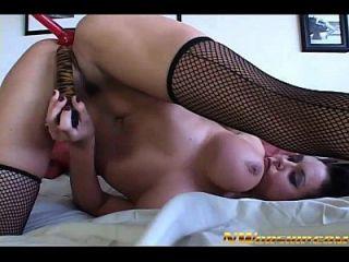 sexo anal interracial para tetas grandes niña y gallo negro grande