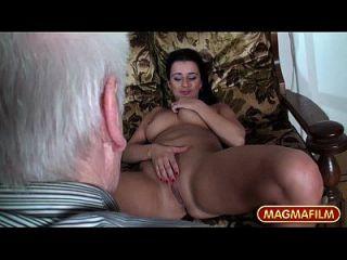 magma película busty caliente adolescentes teasing grandpa