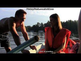 tres hombres en un barco (por no hablar de una chica de recogida) escena 1