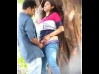 amantes de sexo en el parque uploded por nutriporn.com