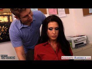 busty sexo jessica profesor jaymes follar en la clase