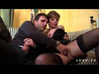 madura burguesa en lingerie grave sodomisee con ejac entre ses gros seins