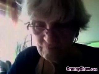 abuela muestra sus abuelas busty abuela