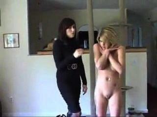 dos chicas desnudadas por ladrones