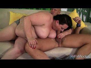 joanna roxxx obtiene su culo gordo follada