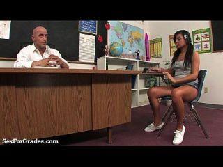 teen slut enseñó una lección hardcore después de la clase!