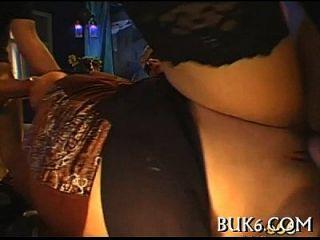 estimulación oral húmeda con la cogida del titty