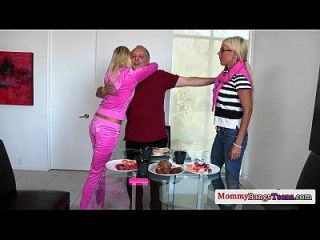 busty swedish milf folla a sus hijastras bf