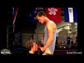 deportistas de boxeo tener relaciones sexuales en el gimnasio
