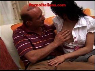 incesto italiano cazzo maturo scopa ragazza vogliosa di sesso italiano porno